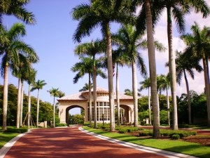 Bay Colony Luxury Homes for Sale